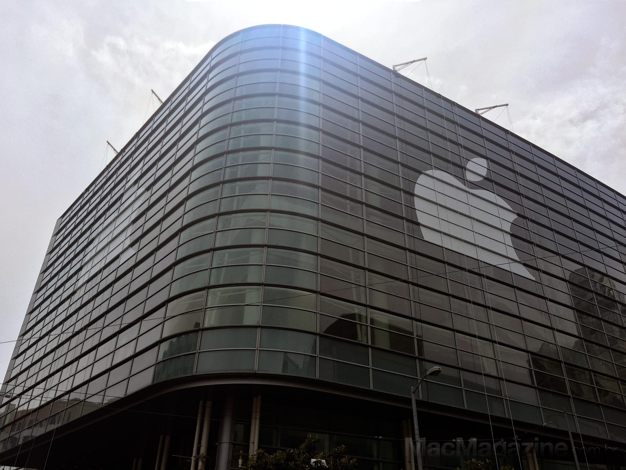Moscone Center sendo preparado para a WWDC 2015