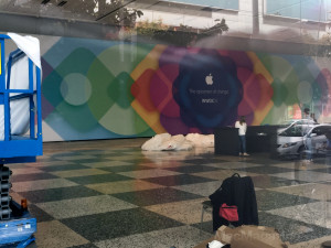 Moscone Center sendo preparado para a WWDC 2015