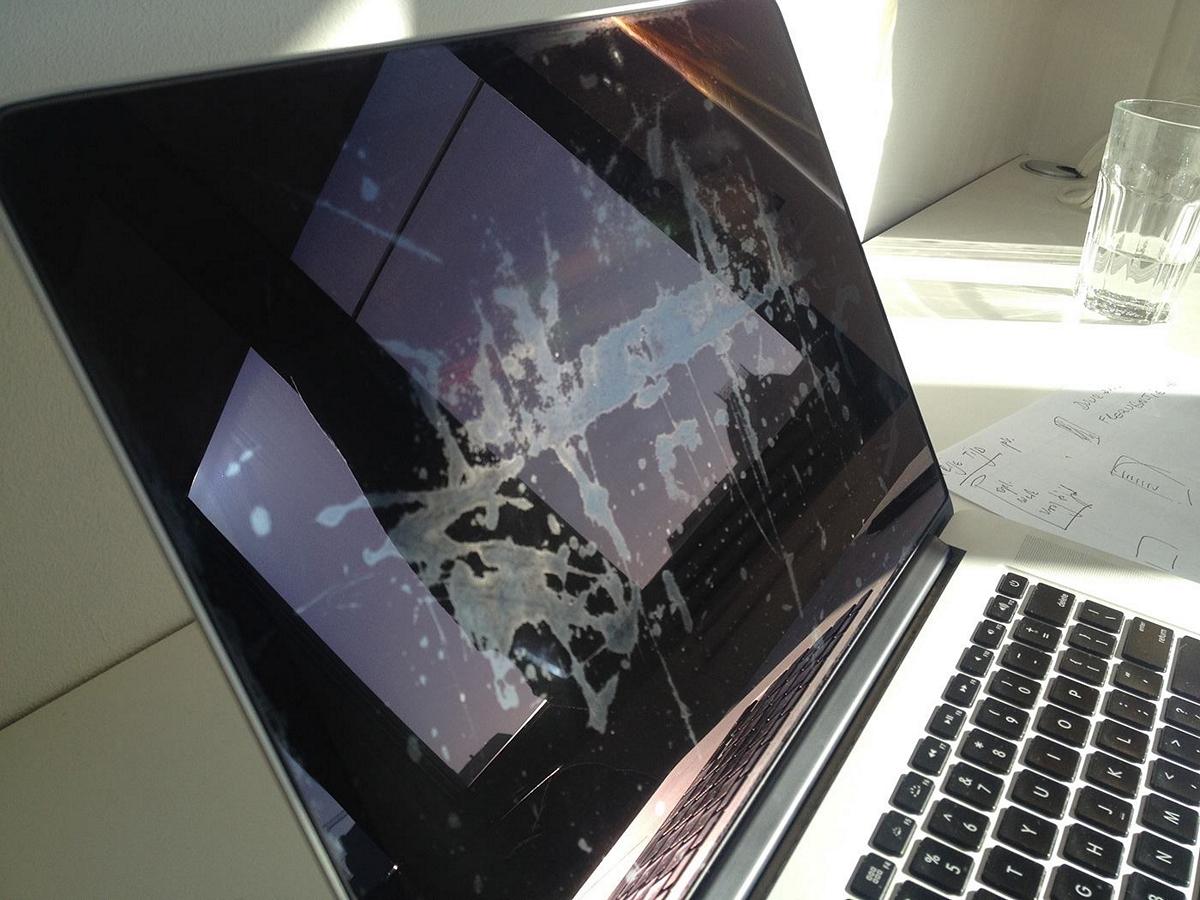 MacBook Pro manchado