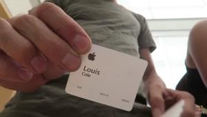Louis Cole visitando a sede da Apple
