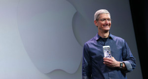Tim Cook apresentando o iPhone 6/6 Plus e o Apple Watch