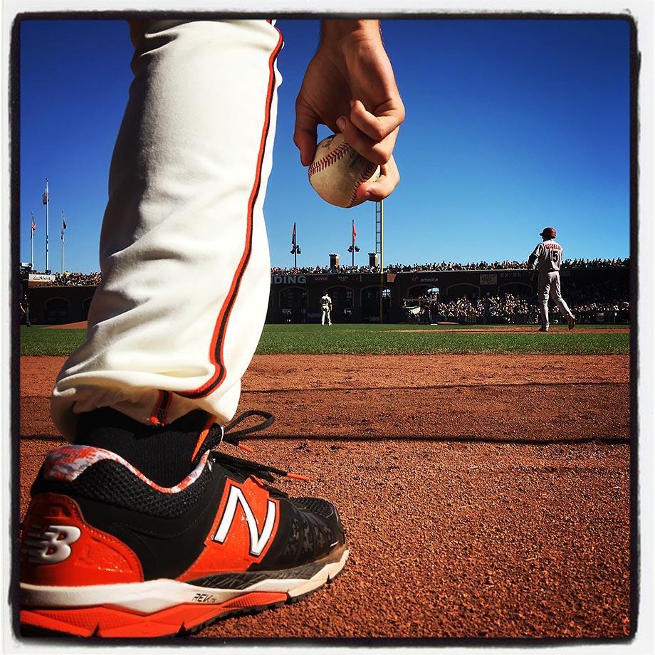 Jogo de beisebol pela lente de um iPhone 6s Plus