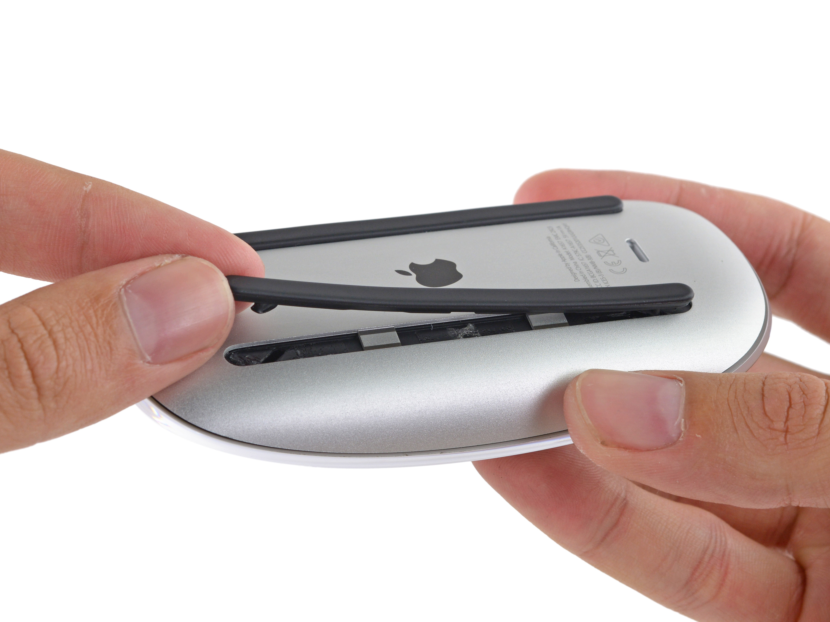 Magic Mouse 2 desmontado pela iFixit