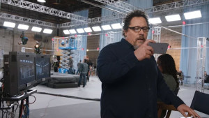 Jon Favreau em comercial do iPhone 6s