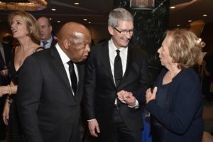 Tim Cook no Robert F. Kennedy Ripple of Hope Award