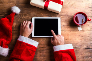 Papai Noel com um tablet