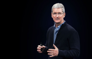 Tim Cook em evento da Apple