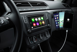 Painel do Volkswagen Gol 2017 com CarPlay