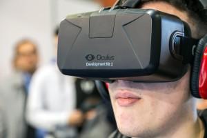 Cara usando Oculus Rift