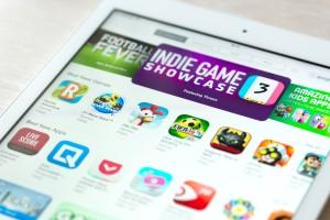 Apps em destaque na App Store num iPad