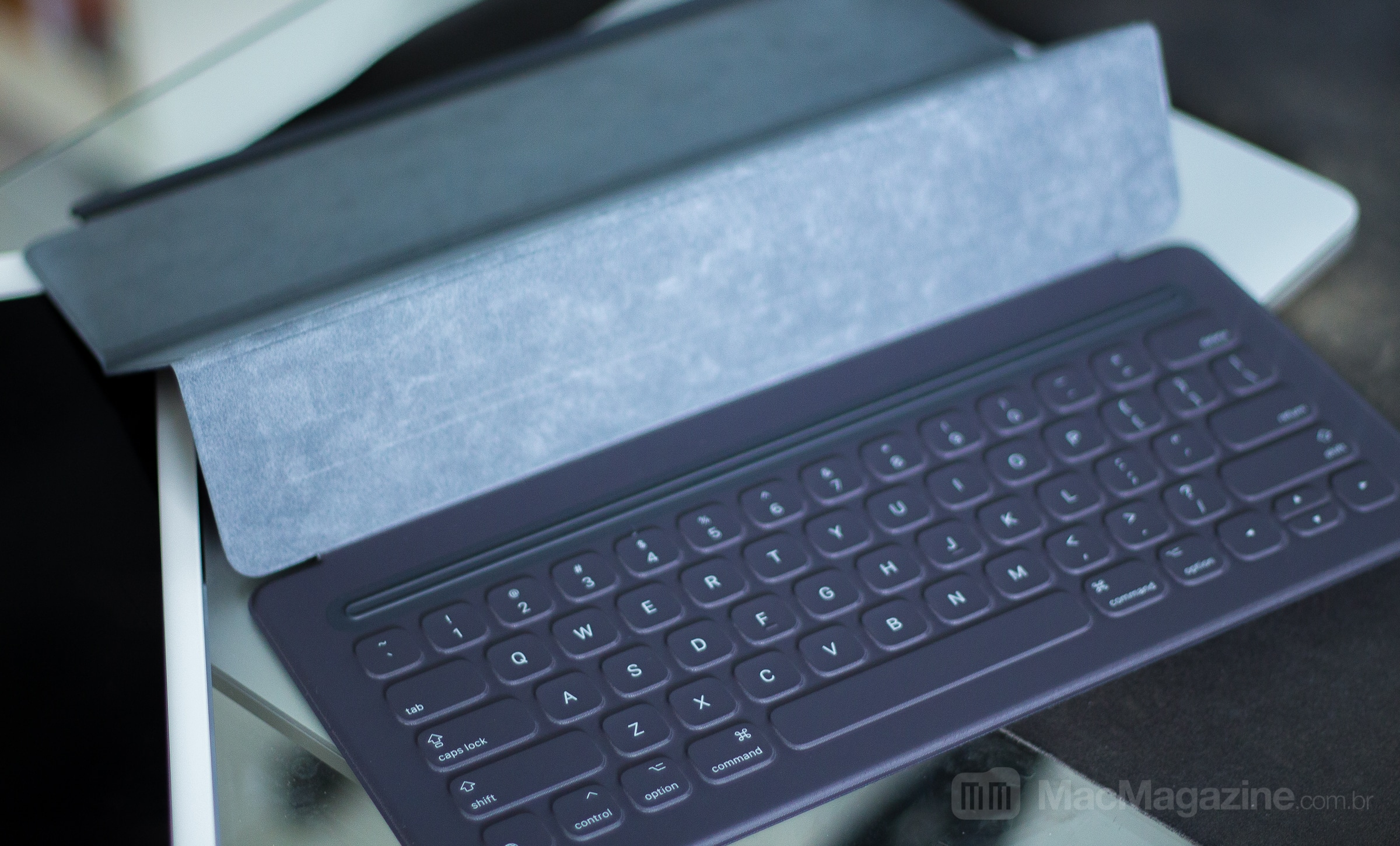 Apple Smart Keyboard no iPad Pro (by MacMagazine)