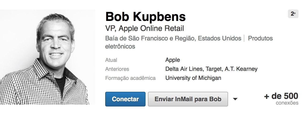 Bob Kupbens, VP de varejo da Apple
