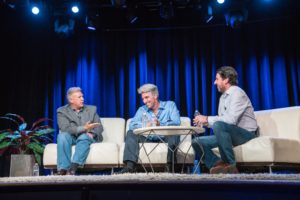 Phil Schiller, Craig Federighi e John Gruber no The Talk Show