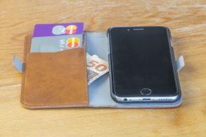 Capa Magic 2-em-1 para iPhones 6/6s, da Devia