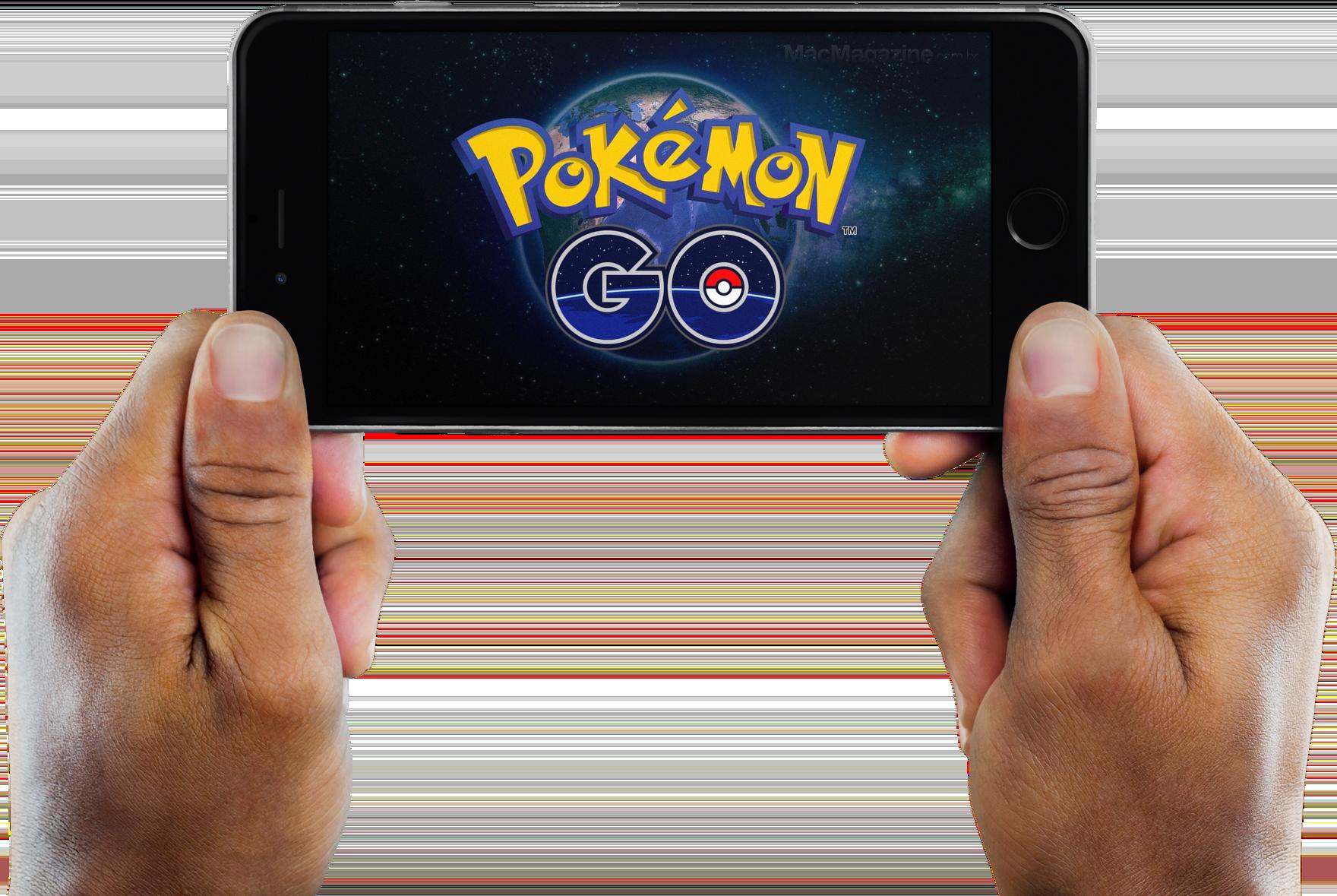 Pokémon GO em mãos