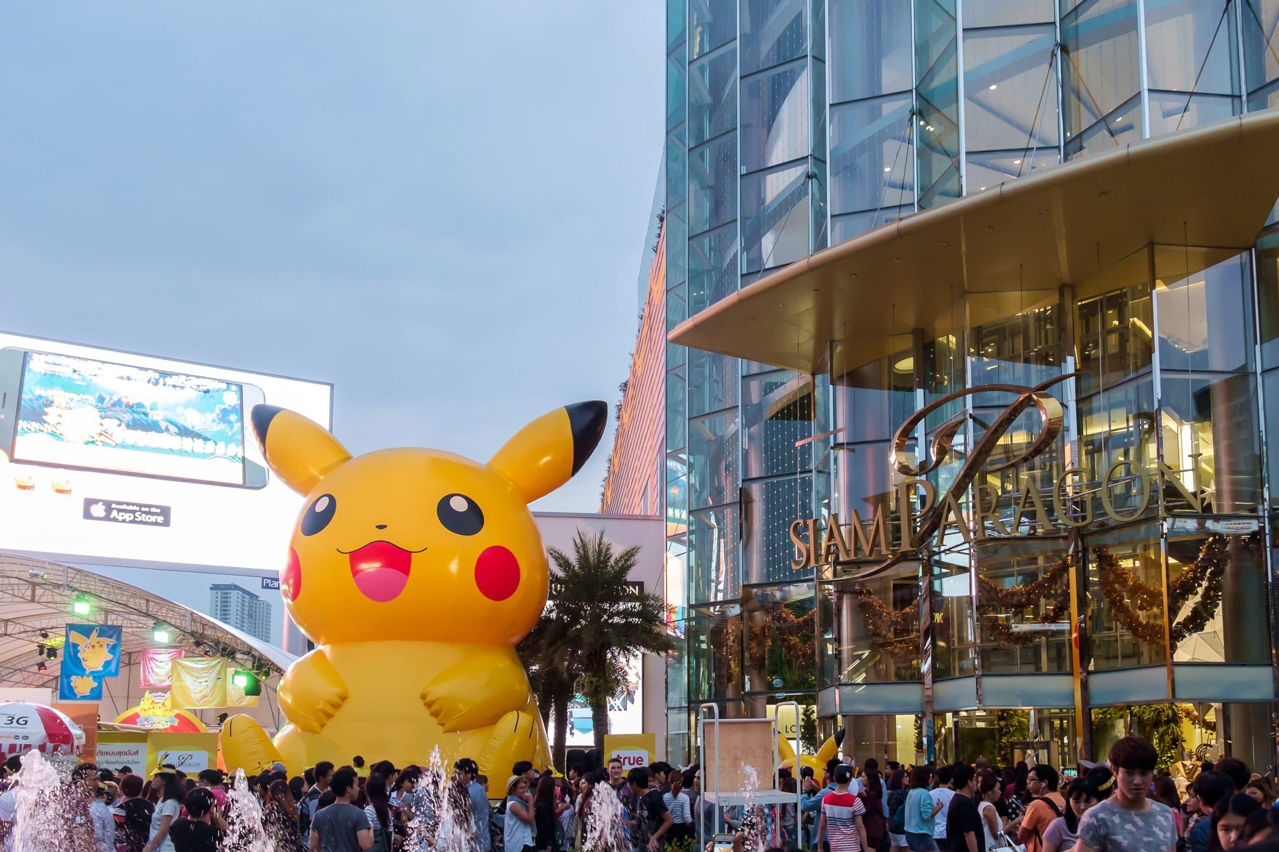 Balão de Pikachu (Pokémon) na rua
