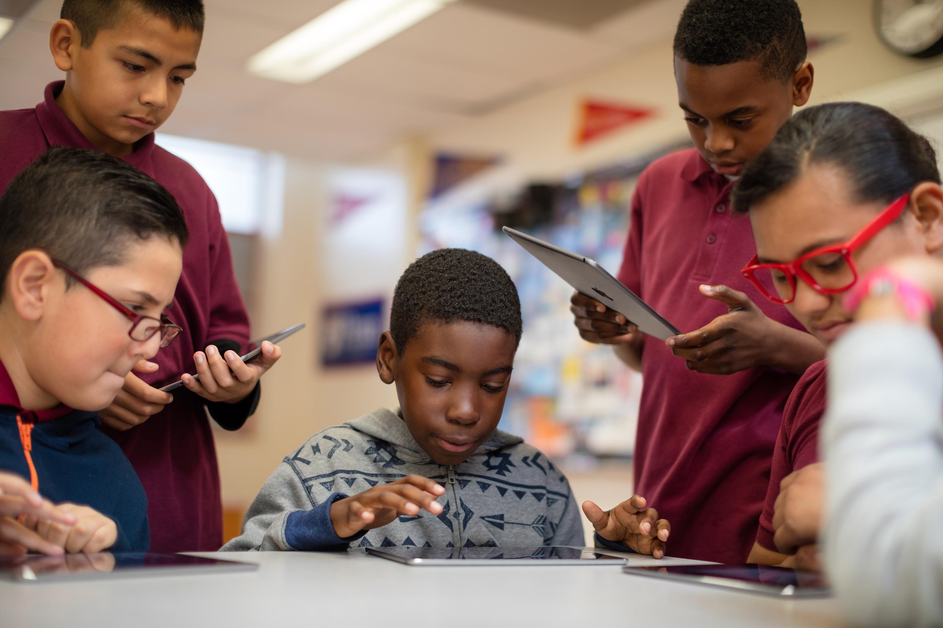 Apple estudantes com iPads