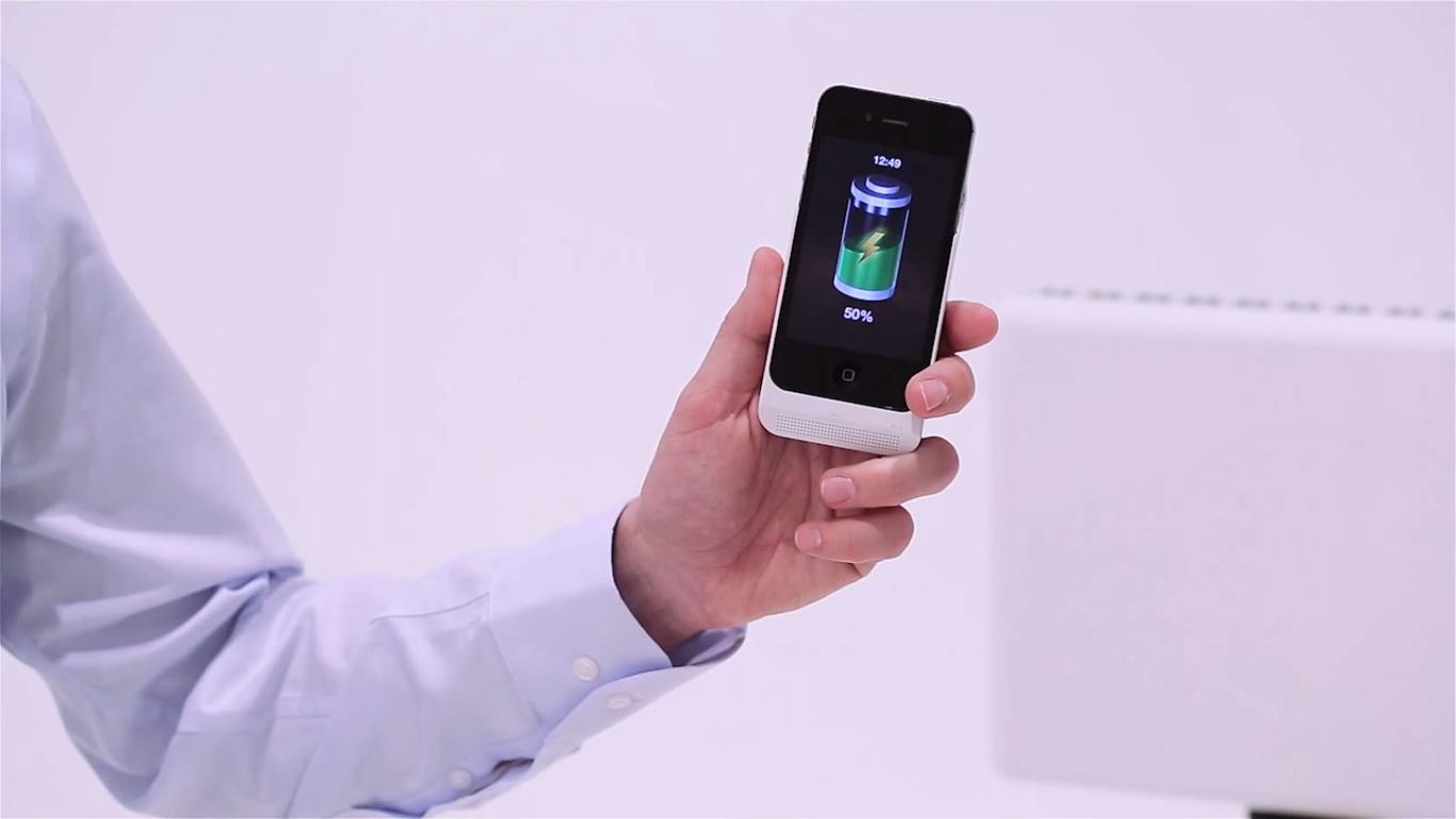iPhone com tecnologia de carregamento sem contato