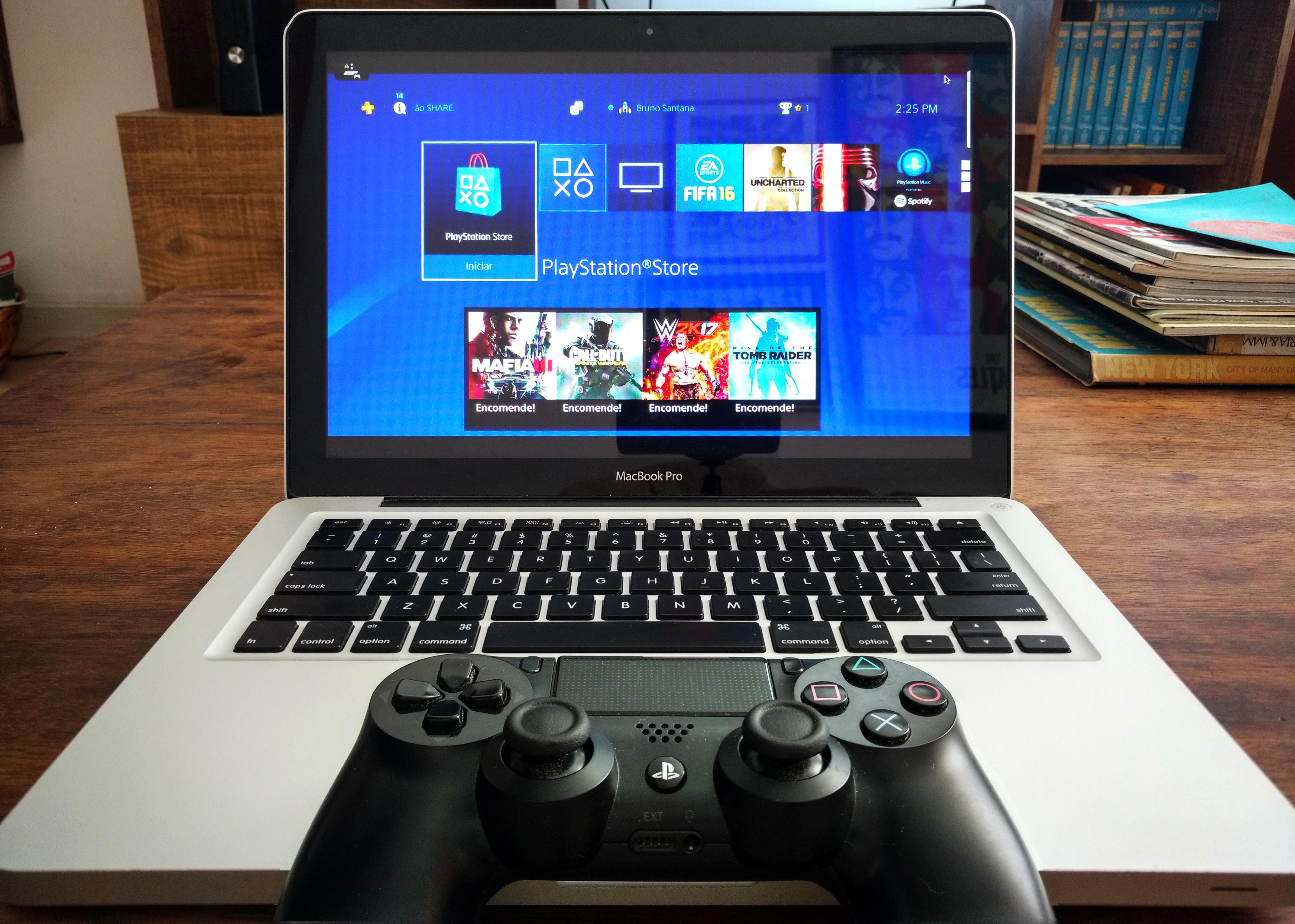 MacBook Pro com Remote Play do PS4