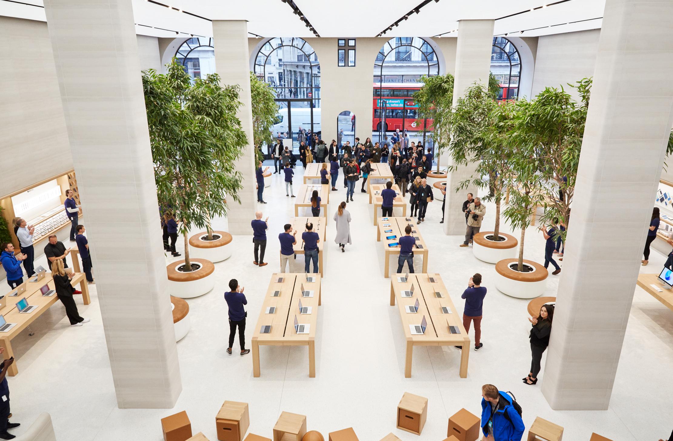 Renovada loja Apple Regent Street, em Londres