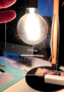 Skin para iPhone 7 preto brilhante com inscrições traseiras