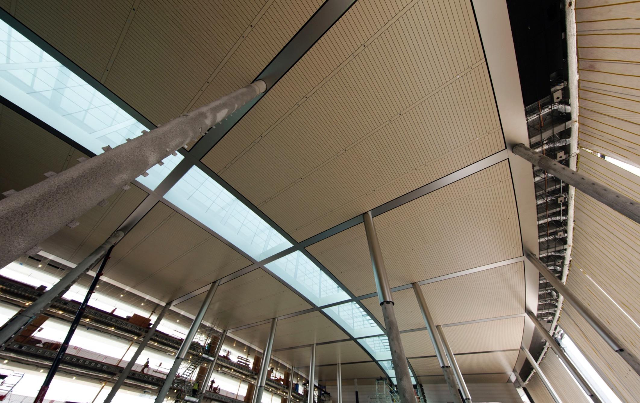 Estrutura da cafeteria/refeitório do Apple Campus 2