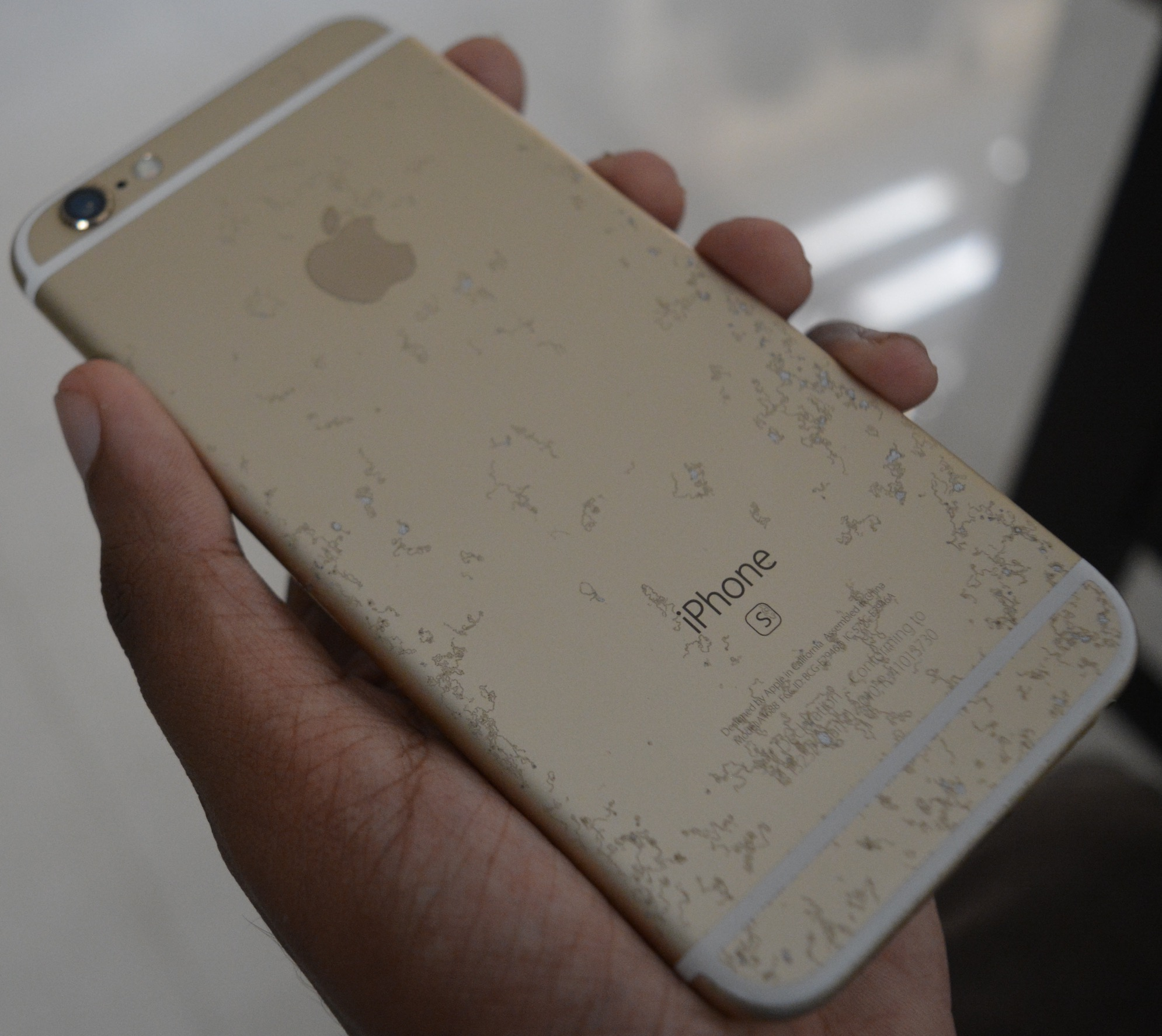 iPhone 6s oxidado/descascado