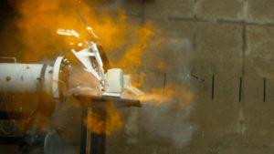 iMac completamente destruído por um tubo de combustão