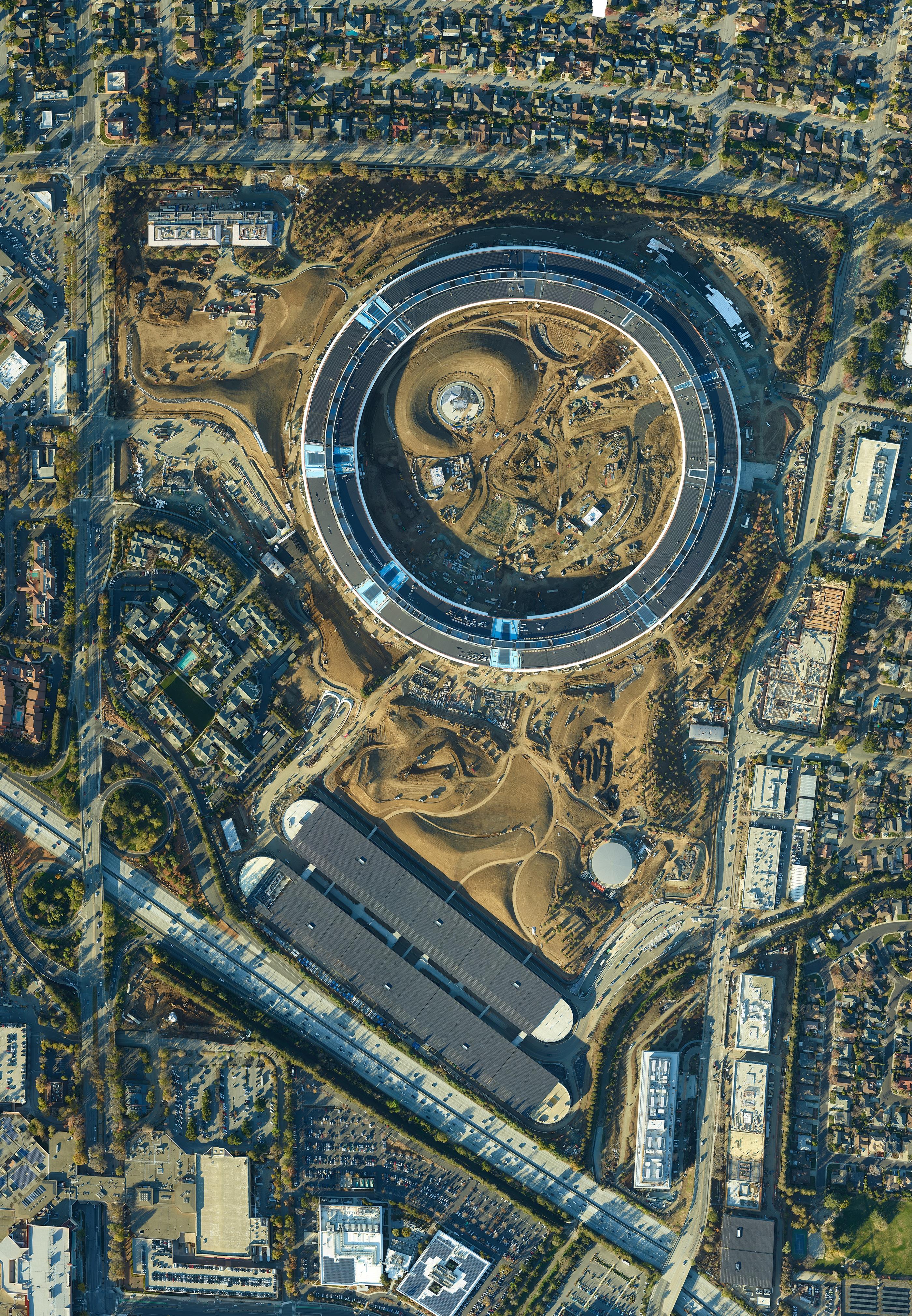 Imagem aérea do Apple Campus 2