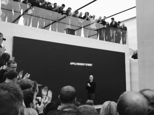 Tim Cook na Apple Regent Street