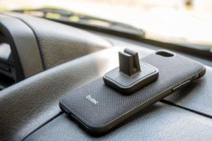 Capa AERGO Ballistic Nylon com suporte veicular magnético para iiPhone 7, da Evutec