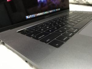 MacBook Pro com Touch Bar