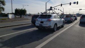 Lexus RX450h equipado para rodar o sistema para carros autônomos da Apple