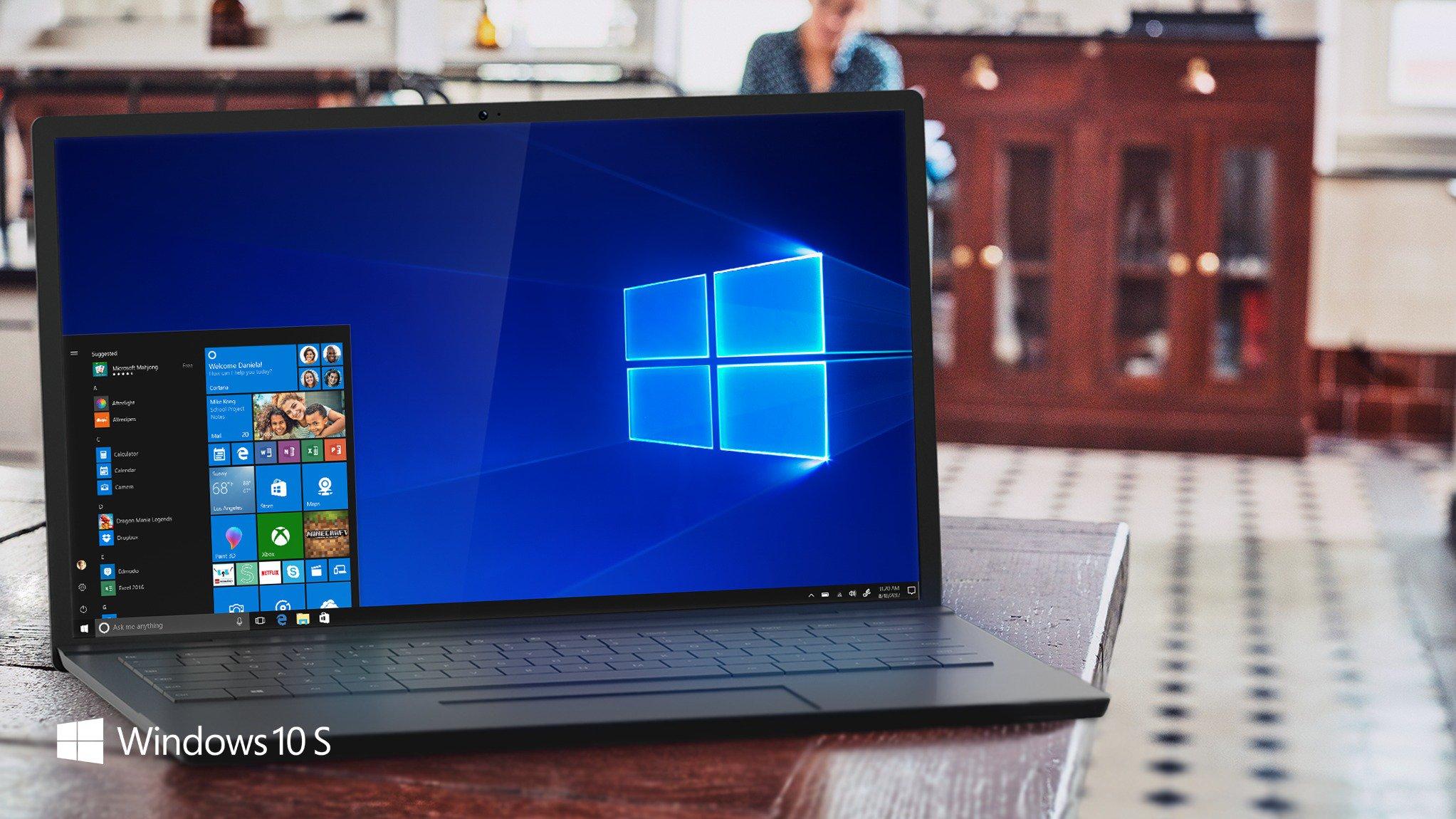 Computador rodando o Windows 10 S