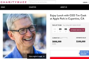 Site com o último lance no leilão do almoço com Tim Cook no Apple Park