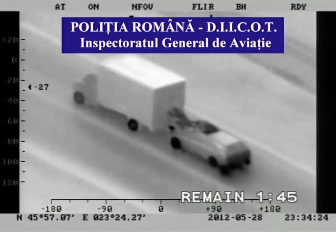 Gangue romena rouba iPhones de caminhão em movimento