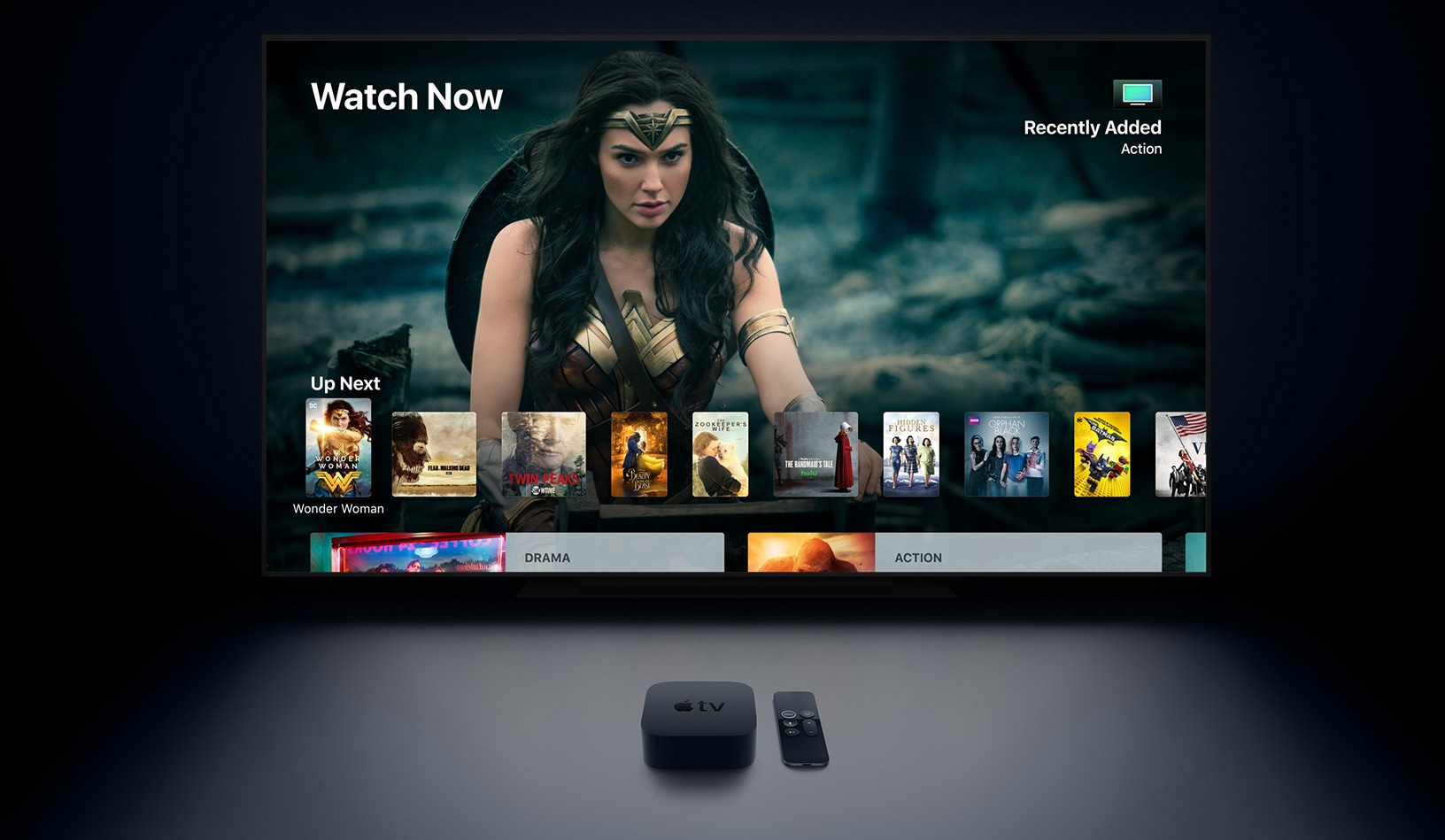 Apple TV 4K num ambiente escuro com a televisão na frente