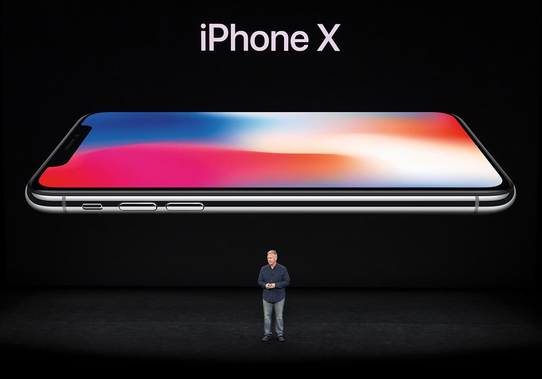 Phil Schiller apresentando o iPhone X