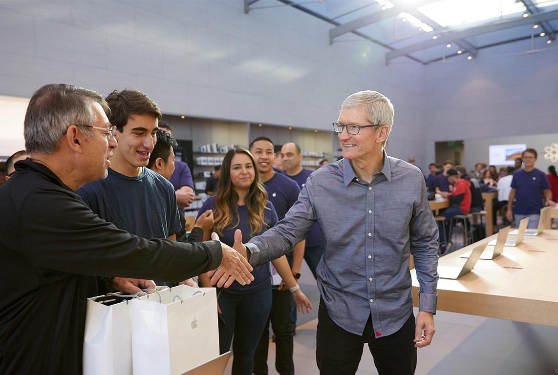 Tim Cook no lançamento do iPhone 8 na Apple Palo Alto