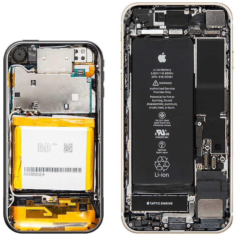 Primeiro iPhone (esquerda) e iPhone 8 (direita)