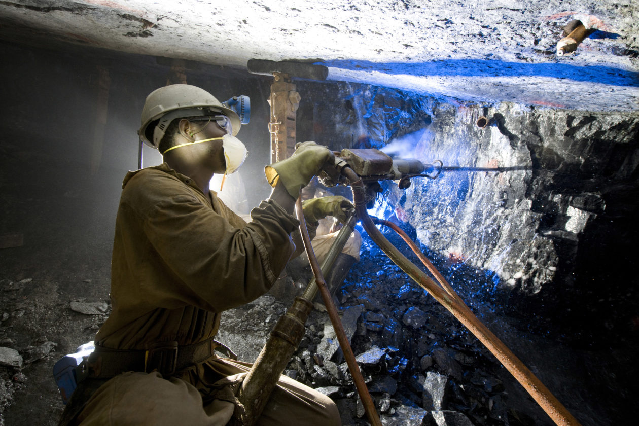 Apple é líder nos esforços para utilizar menos minério proveniente de áreas de conflito na África, segundo ONG – MacMagazine.com.br