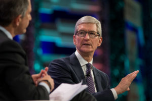 Tim Cook na China durante o Fortune Global Forum
