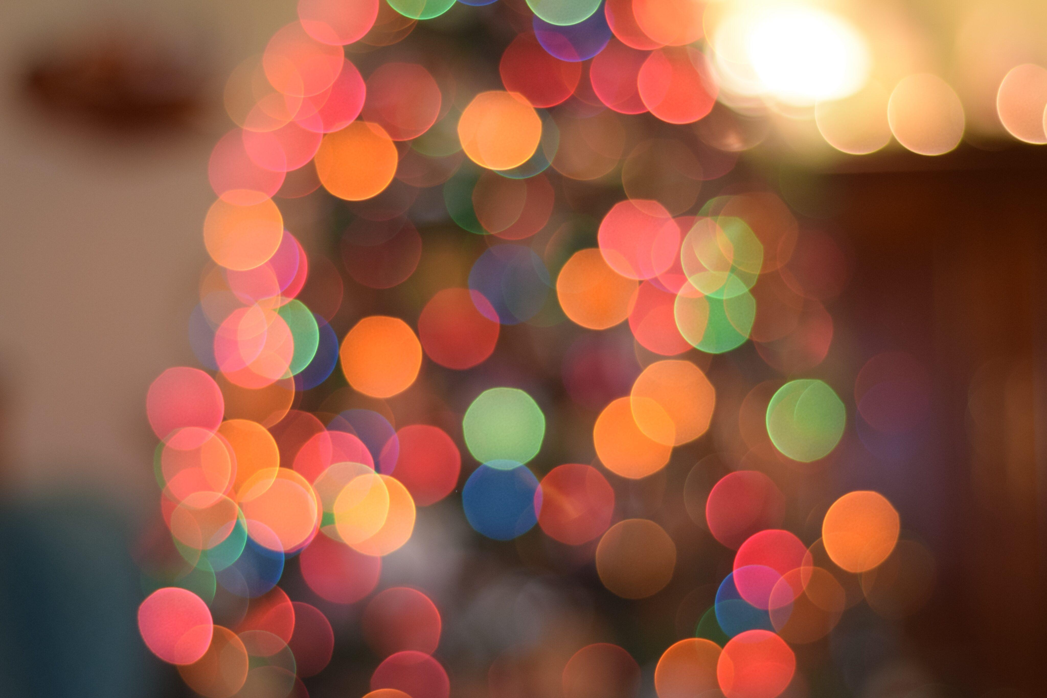 Imagem de Natal com luzinhas desfocadas