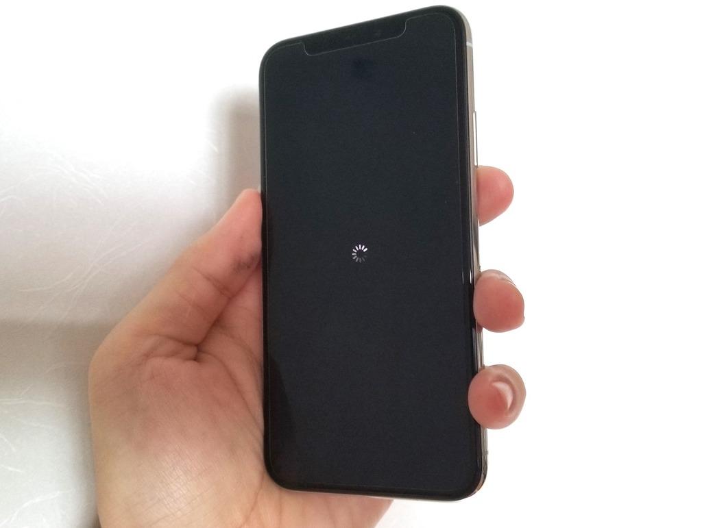 Tela Inicial do iPhone X reiniciando