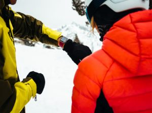 Apple Watch monitorando esportes de neve