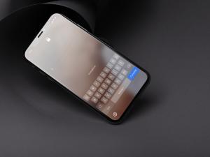 iPhone protegido com código alfanumérico