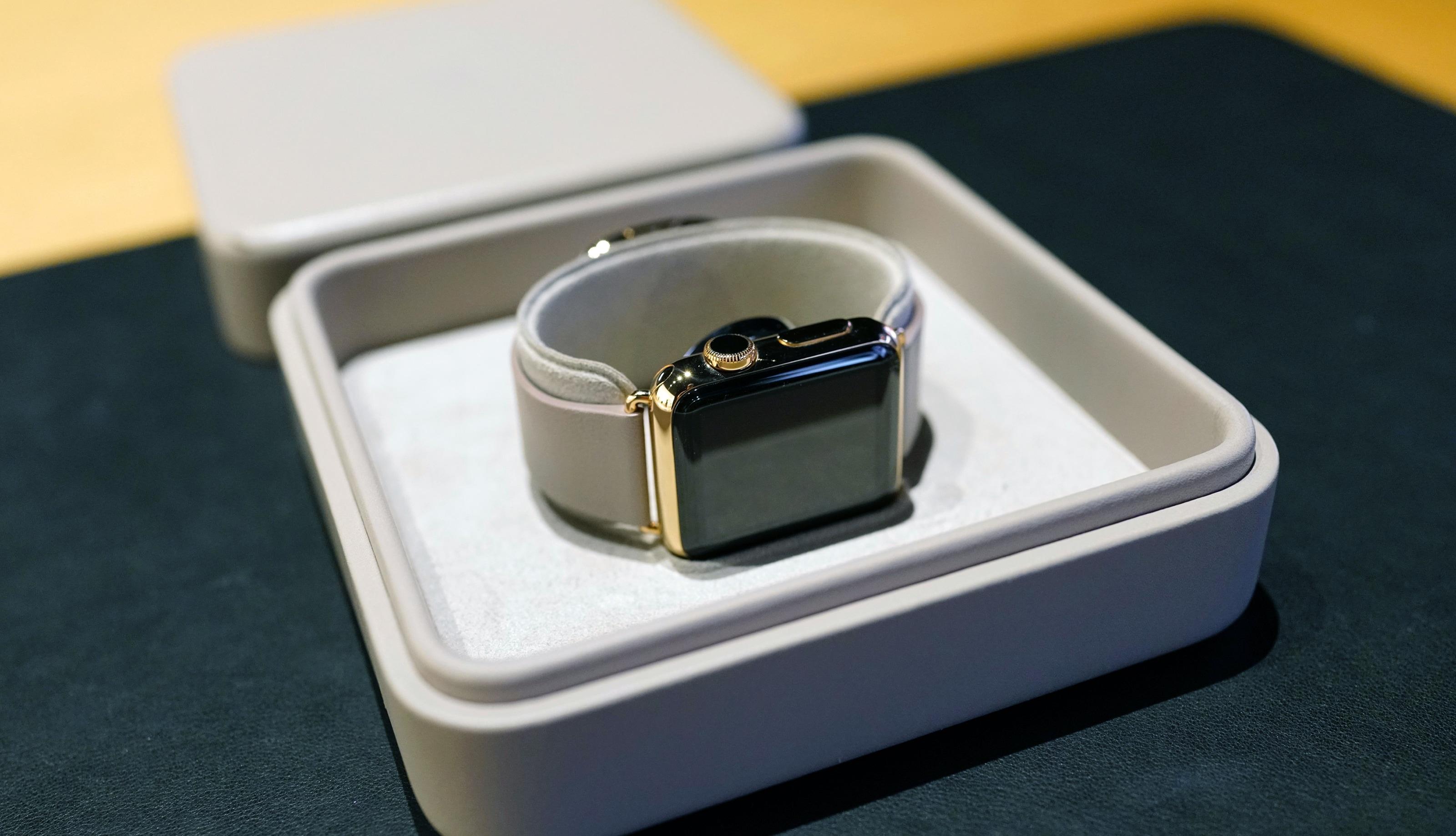 Apple Watch Edition de ouro ainda à venda