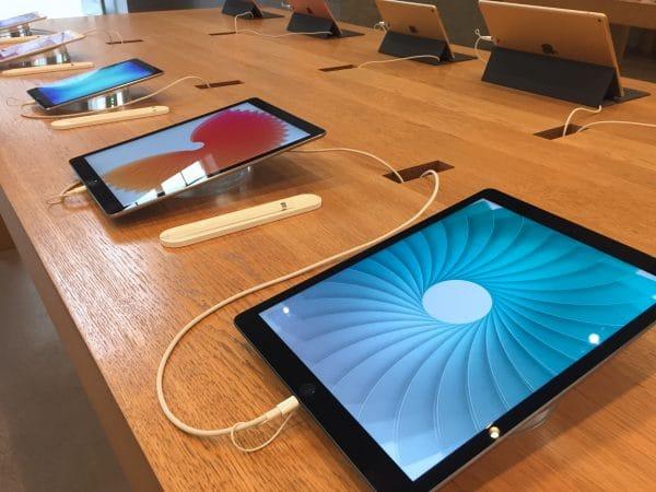 iPads expostos em loja da Apple