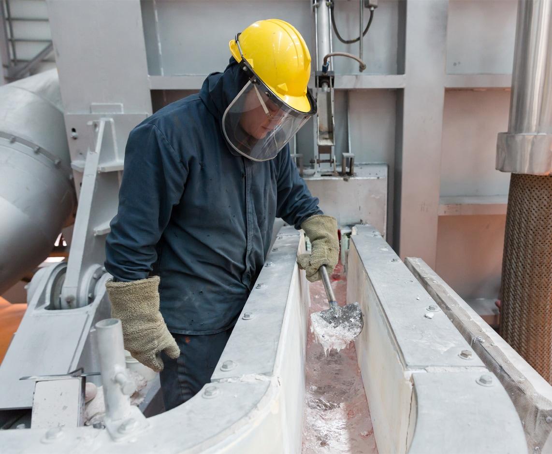 Produção de alumínio na Elysis, consórcio com investimento da Apple