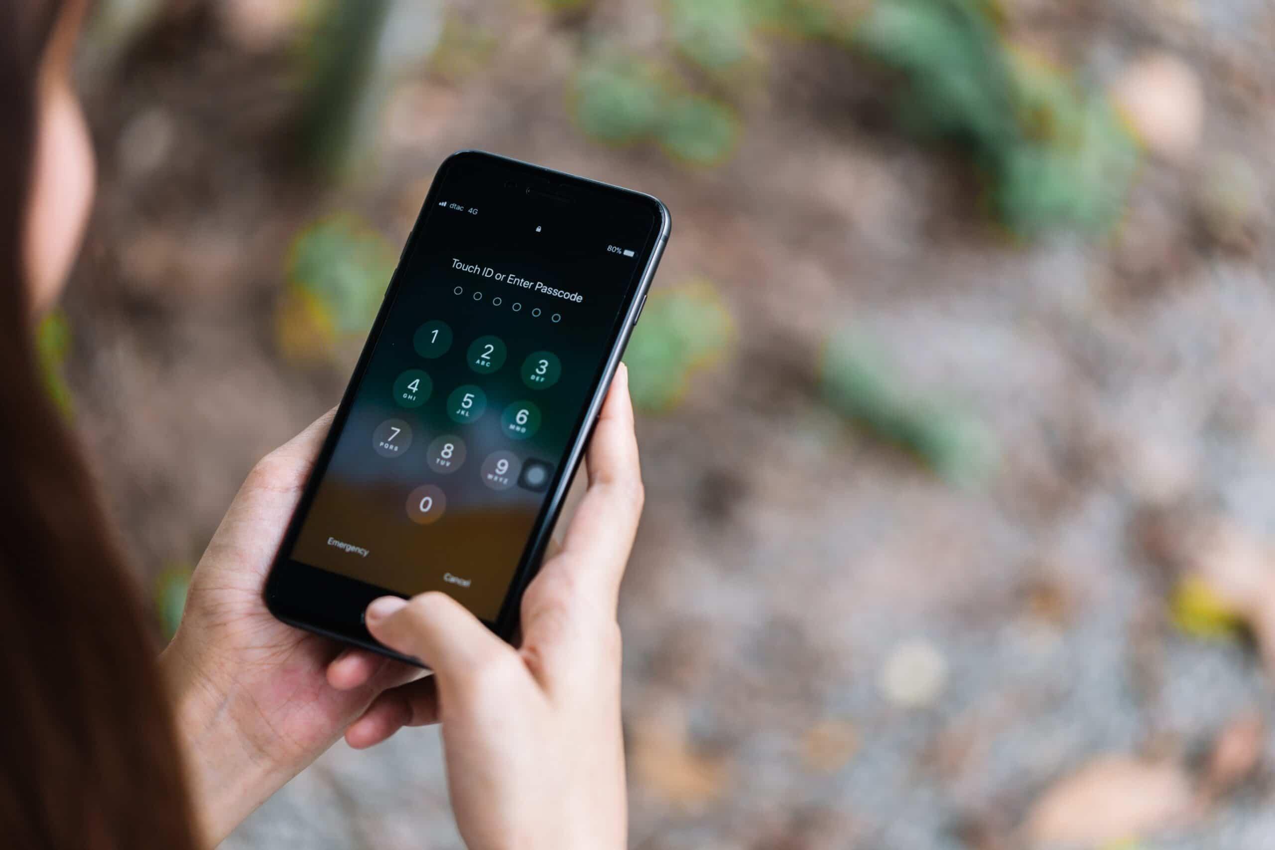Digitando a senha em um iPhone